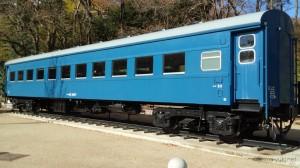 客車 スハ42 2047